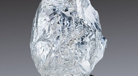 Alrosa's 100th Auction to Be Headlined by 242-Carat, Gem-Quality Stunner